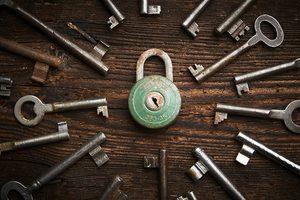 Image of padlock and keys